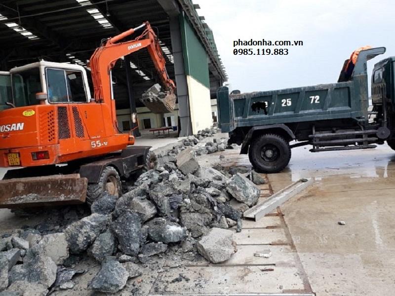 Thuê xe chở vận chuyển phế thải xây dựng ở đâu