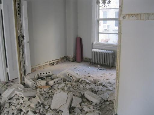 Thi công nới rộng tường ngăn sửa chữa nhà